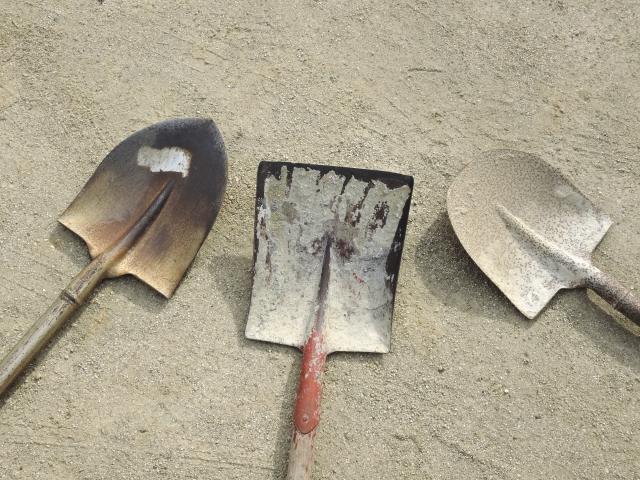 井戸掘りに必要な道具を揃える